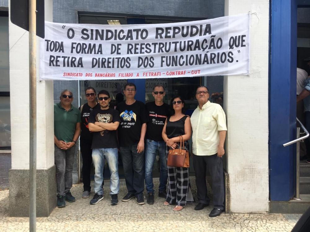 SINTRAF T.O E REGIÃO PARTICIPA DO DIA NACIONAL EM DEFESA DA CAIXA